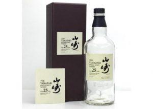 群馬県桐生市のお客様から山崎25年の箱付き空瓶を宅配買取させて頂きました。