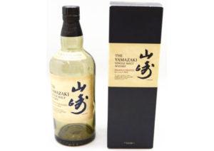 東京都多摩市のお客様からサントリー山崎ヘビリーピーテッド2013の空瓶を宅配買取させて頂きました。