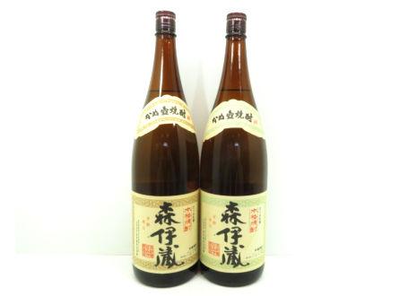 大阪府守口市のお客様より森伊蔵 かめ壺焼酎2本をお買取させて頂きました。