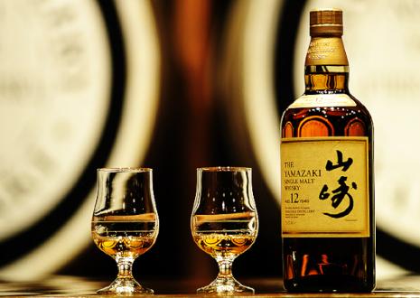 日本人の口に合うサントリーウイスキーの山崎