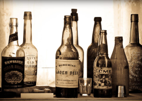 売れるのはお酒だけじゃない!空き瓶買取のポイント