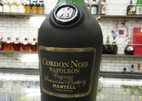 フランスの老舗コニャック・マーテル コルドンノアール ナポレオンを高価買取!